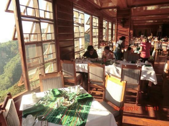 Banaue Hotel and Youth Hostel: Hotel restaurant at breakfast, good food.