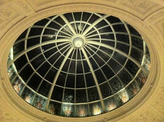 Threadneedles, Autograph Collection: Cupola in the lobby