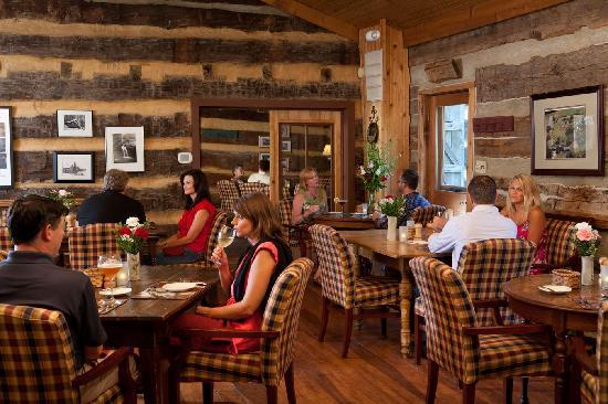 Inn & Spa At Cedar Falls Restaurant : Fine Dining