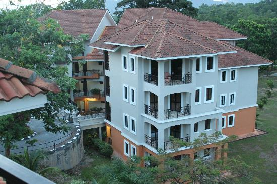 写真Swiss-Court Holiday Apartments Damai Laut枚