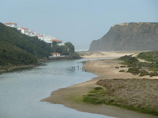Odeceixe Beach: Isolated