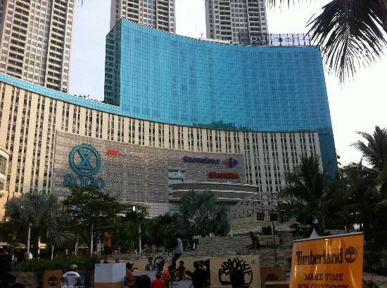 Pullman Jakarta Central Park Hotel Outside