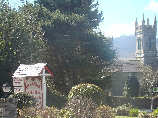 Killeen House Hotel & Rozzers Restaurant: View from the gardens of the Killeen House