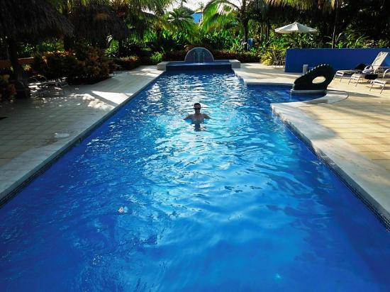 Alma del Pacifico Beach Hotel & Spa: Pool to myself