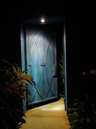 ‪‪Alma del Pacifico Beach Hotel & Spa‬: Door to the grounds of one of the villas‬