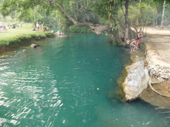 坦普坎溶洞&蓝色泻湖