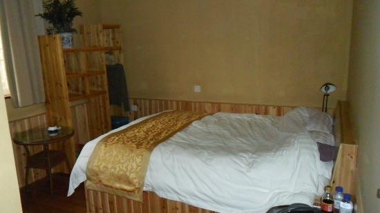 Trippers Carpe Diem Hostel Yangshuo : Double room (after one night's sleep)