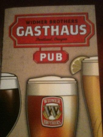 Palms Motel: Widmer Bros Gasthaus Pub - fine beer and dining!