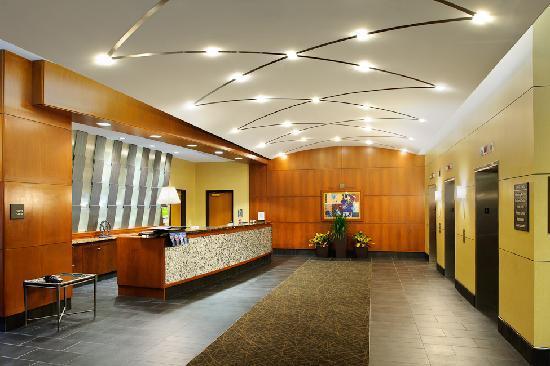 Hampton Inn Philadelphia Center City - Convention Center: Front Desk