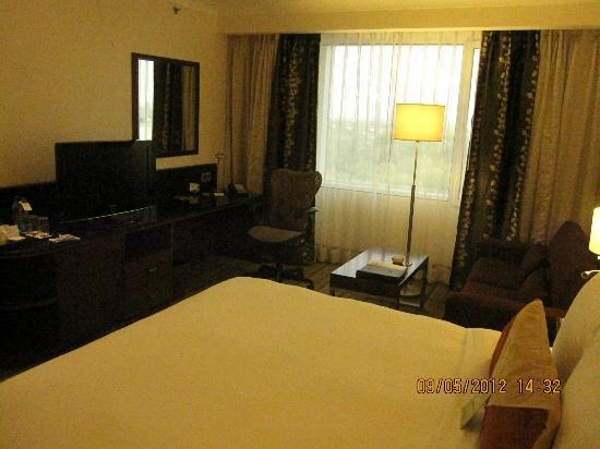 Hilton Garden Inn New Delhi / Saket: big room
