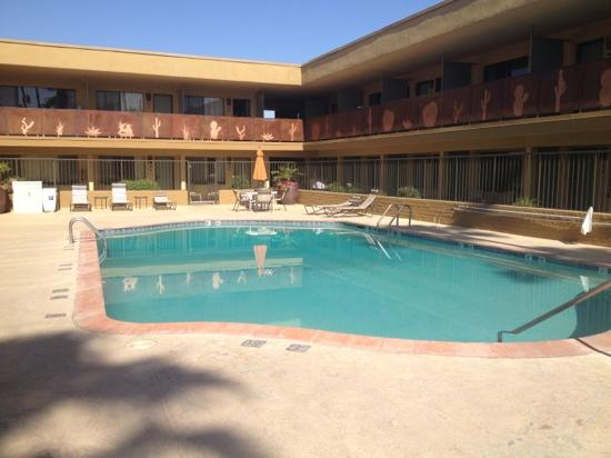 BEST WESTERN Royal Sun Inn & Suites: The pool was pleasantly cool.