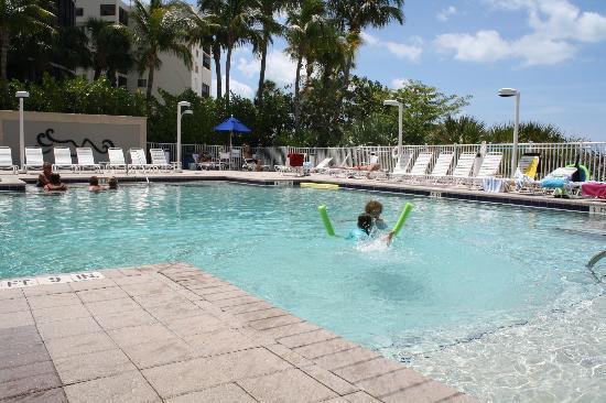 جول ونج بيتش ريزورت: Pool