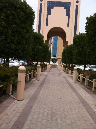 Seef Mall: walkway