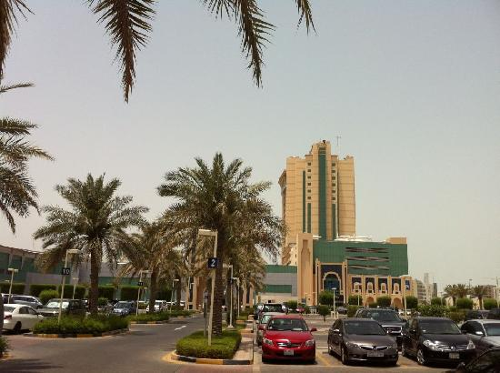 Seef Mall: outside