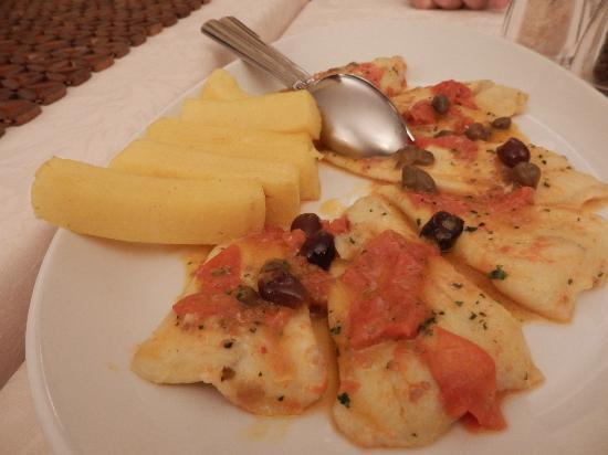 Ristorante Pacifico da Franco: fish with tomato, olives and polenta