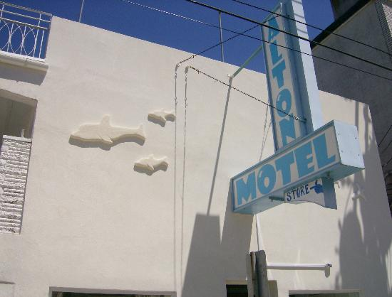 Alton Motel: Front of building