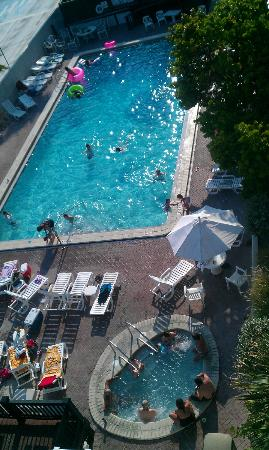 Silver Beach Club: Pool