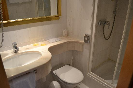 Parkhotel Laim : Bathroom 206
