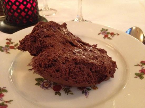Aux Crus de Bourgogne: お茶碗一杯ぐらいあるムース。アメリカンな味。