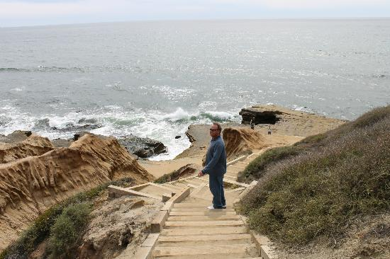 Point Loma: the walk down to the tide pools
