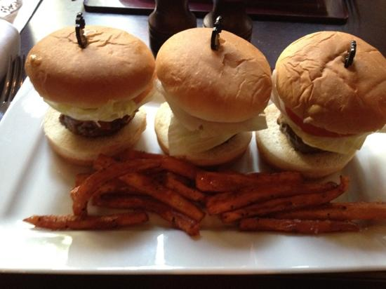 Jaa Kitchen: Mini Burgers!!!!!