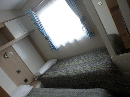 Perran Sands Holiday Park - Haven: bedroom