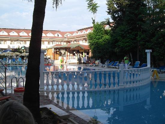 Side Yesiloz Hotel: Pool Area