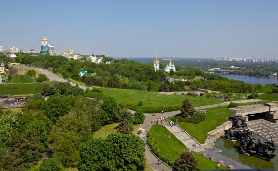Great Patriotic War Museum : Viewpoint 31m, panorama of Lavra and museum