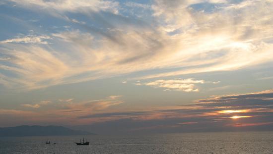 Old Vallarta: Lovely sunset in Puerto Vallarta