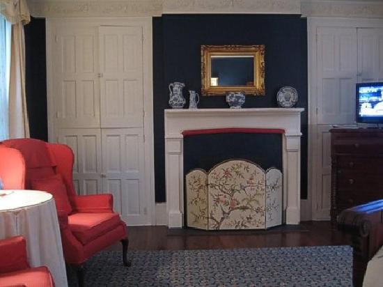 Cuthbert House Inn: Victoria Room