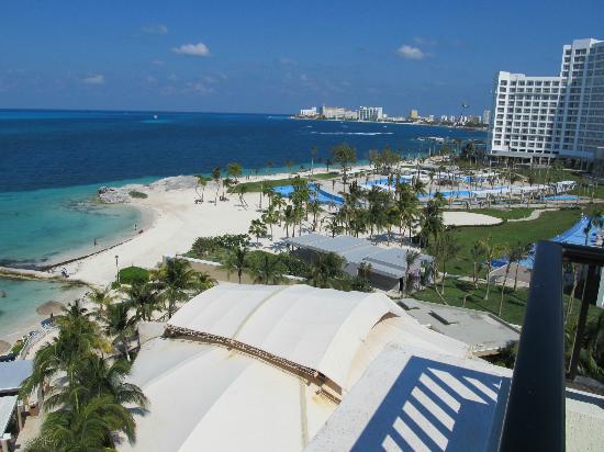 Hotel Riu Caribe: New RIU next to Caribe Cancun