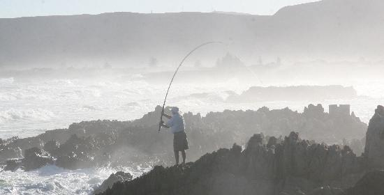 Hermanus Beach House: Fishing 220m away