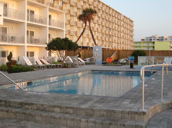 Lotus Boutique Inn & Suites Daytona Beach / Ormond Beach : The Amazing Pool in all it's glory