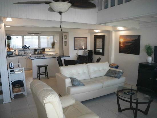 The Reef Golf and Beach Resort: Living Room