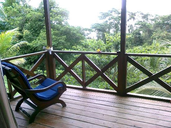 Popa Paradise Beach Resort : Our private balcony