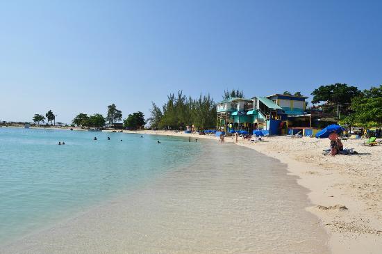 Aquasol Beach Park: The beach