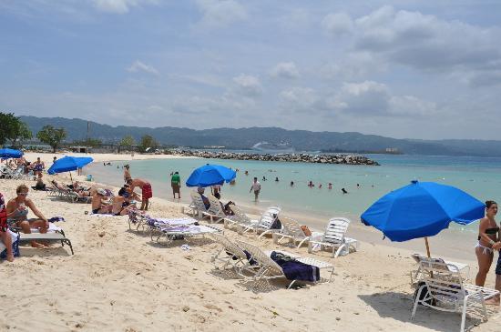 Aquasol Beach Park: Beach Area