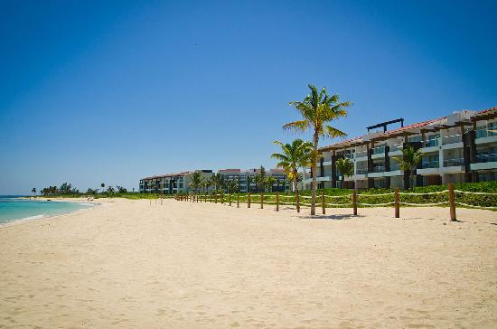 Pure Mareazul: Grand Coral Rentals Beach View
