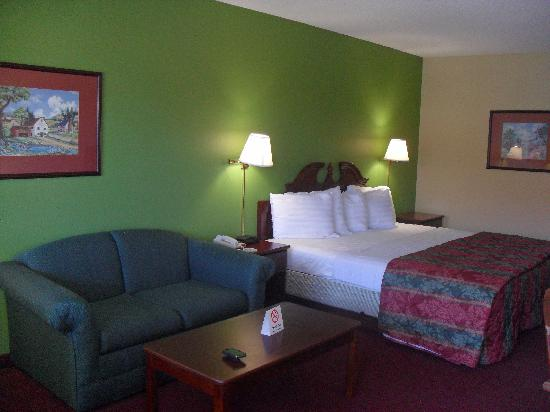 Days Inn Ashburn : King room