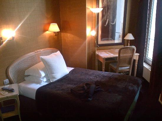 Neuilly Park: Room