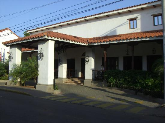 Rivas, Nicaragua: Front of Hotel Nicarao