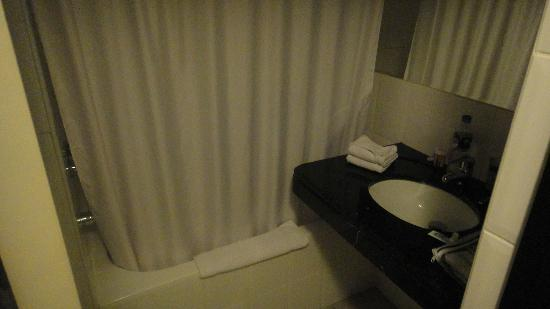 Hotel Britania: Bathroom