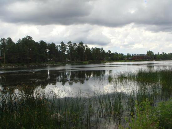 Rainbow's End Resort: Rainbow Lake