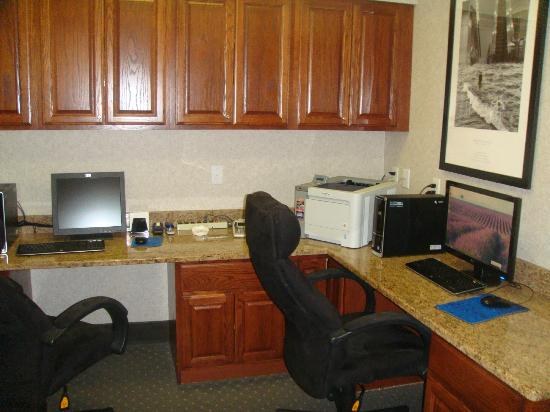 Hampton Inn Longmont : Hotel Business Center