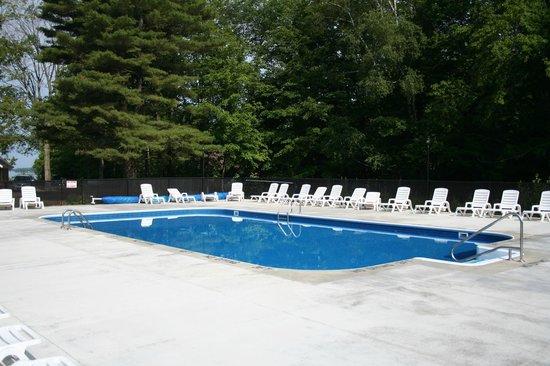Pine Bluff Resort: Pool