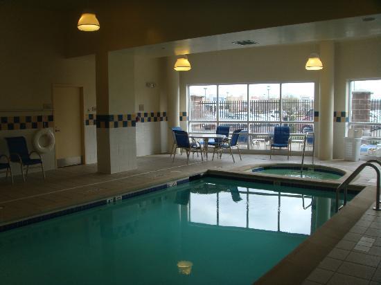 Hilton Garden Inn Independence : Pool Area