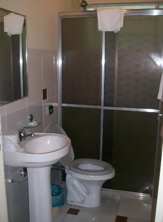 Royal Iguassu Hotel: Baño.