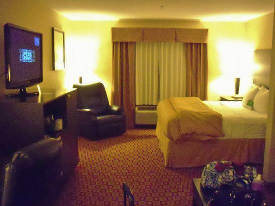 La Quinta Inn & Suites Russellville: King bed