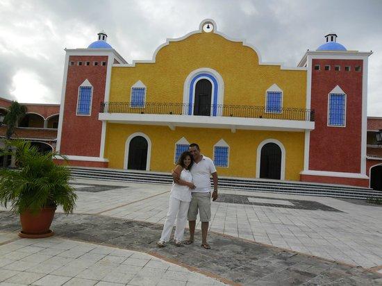 Grand Bahia Principe Tulum : En Hacienda Doña Isabel,donde podras comprar todo lo q quieras desde ropa hasta Tequilas...