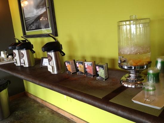 Adrift Hotel and Spa: coffee, tea or water in lobby